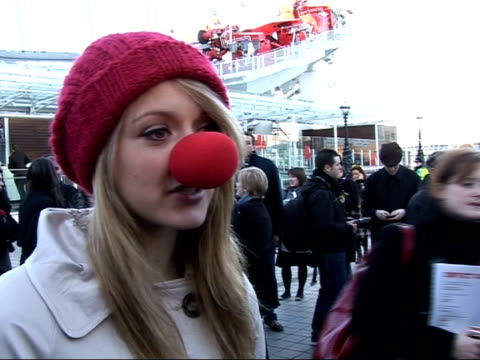 vídeos y material grabado en eventos de stock de launch of 2007 comic relief: celebrities launch red nose day at london eye; brand along to press / fearne cotton interview sot - talks about... - red nose day
