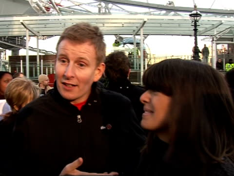 vídeos y material grabado en eventos de stock de launch of 2007 comic relief: celebrities launch red nose day at london eye; claudia winkelman patrick kielty interview sot - talk about line-up for... - red nose day