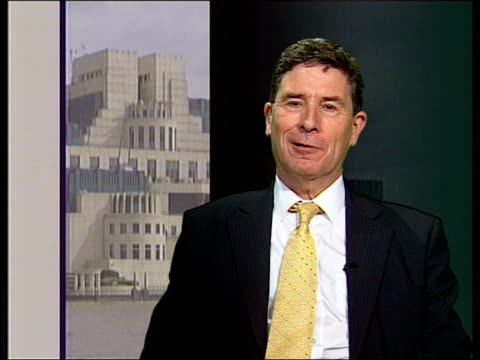 launches website; professor christopher andrew interview sot - its rather longer term perspective/ you can have website which explains to people how... - mi6 stock-videos und b-roll-filmmaterial