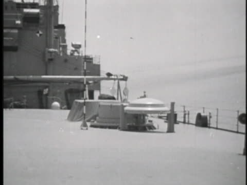 launching cylinder on the deck of the u.s.s. observation island holds a polaris missile. - 北極星点の映像素材/bロール