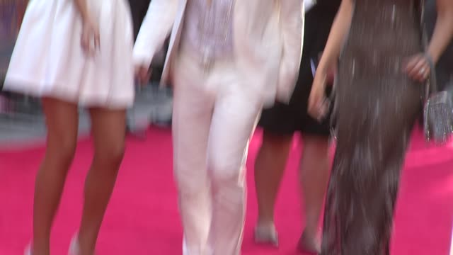 laura aikman leigh francis aka keith lemon kelly brook at keith lemon the film uk premiere at odeon leicester square on august 20 2012 in london... - kelly brook stock-videos und b-roll-filmmaterial