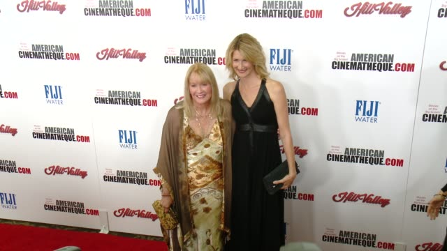 laura dern and diane ladd at the 29th annual american cinematheque award presented to reese witherspoon at the hyatt regency century plaza on october... - american cinematheque stock videos & royalty-free footage