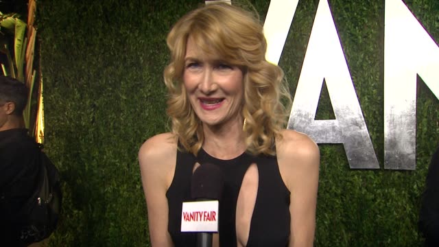laura dern at the 2013 vanity fair oscar party hosted by graydon carter interview - laura dern at the 2013 vanity fair at sunset tower on february... - laura dern stock videos & royalty-free footage