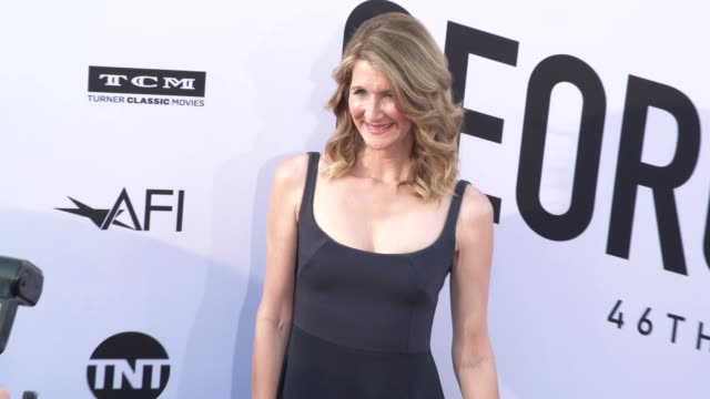 vídeos de stock, filmes e b-roll de laura dern at the american film institute honors george clooney with 46th afi life achievement award at dolby theatre on june 07 2018 in hollywood... - american film institute