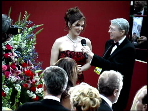 laura harring at the 2002 academy awards arrivals at the kodak theatre in hollywood california on march 24 2002 - laura harring stock videos & royalty-free footage