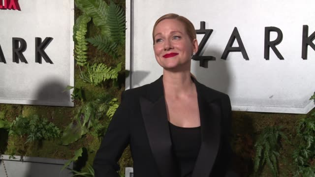 stockvideo's en b-roll-footage met laura linney at new york premiere screening of ozark at metrograph on july 20 2017 in new york city - première