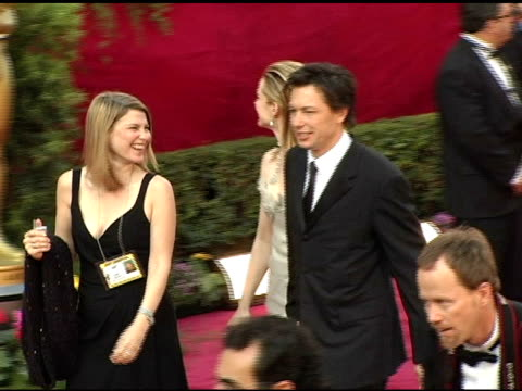 laura linney at the 2005 annual academy awards arrivals at the kodak theatre in hollywood, california on february 28, 2005. - 77th annual academy awards stock videos & royalty-free footage