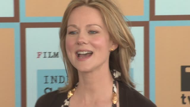 laura linney at the the 21st annual ifp independent spirit awards in santa monica california on march 4 2006 - ifp independent spirit awards stock videos and b-roll footage