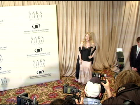 vídeos de stock, filmes e b-roll de lauralee bell at the 2005 courage award given to lance armstrong at saks fifth avenue's unforgettable evening at the regent beverly wilshire hotel in... - regent beverly wilshire hotel