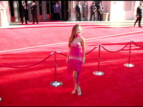 vídeos de stock, filmes e b-roll de lauren c mayhew at the 2004 american music awards red carpet at the shrine auditorium in los angeles, california on november 14, 2004. - shrine auditorium