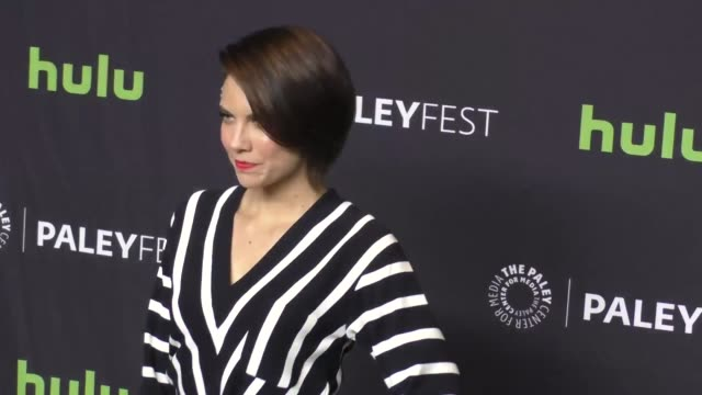 vídeos de stock e filmes b-roll de lauren cohan at paleyfest los angeles 2017 - 'the walking dead' at dolby theatre on march 18, 2017 in hollywood, california. - the dolby theatre