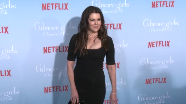 Lauren Graham at the Premiere of Netflix's Gilmore Girls A Year In The Life at Regency Bruin Theater on November 18 2016 in Westwood California