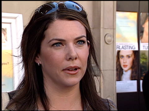 lauren graham at the 'tuck everlasting' premiere at the el capitan theatre in hollywood california on october 5 2002 - el capitan theatre stock videos & royalty-free footage