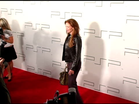 lauren holly at the pretapsp accessories show at pacific design center in west hollywood california on march 14 2005 - lauren holly stock videos and b-roll footage