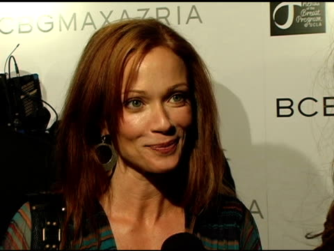 lauren holly on max's designs and how he 'gets' women and on her new role on a show with mark harmon at the opening of the new bcbg max azria... - lauren holly stock videos and b-roll footage