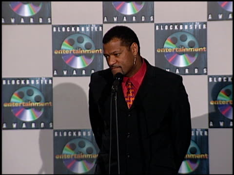 Laurence Fishburne at the Blockbuster Awards at the Shrine Auditorium in Los Angeles California on May 9 2000
