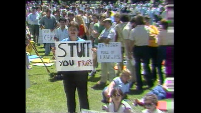 "laurie wilson rtc / public service rally opposite parliament house / bob hawke addresses rally –solidarity banner behind / ""stuff"" you fraser placard... - bob hawke stock videos and b-roll footage"