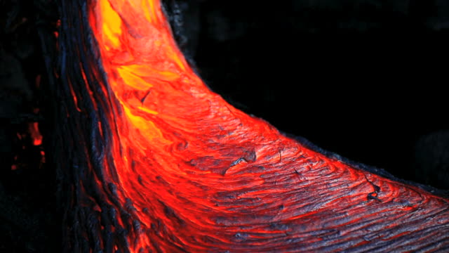 ws lava flowing into sea / kalapana, hawaii, usa - lava stock-videos und b-roll-filmmaterial