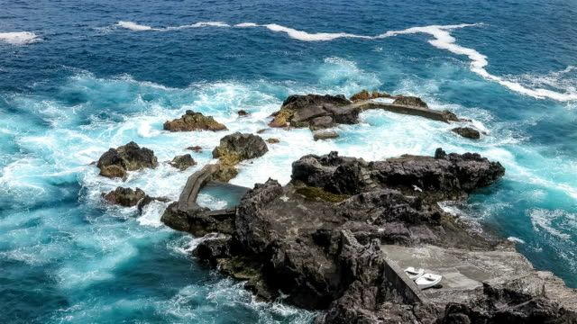 lava された自然のプールで、大西洋-アゾレス諸島 - アゾレス諸島点の映像素材/bロール