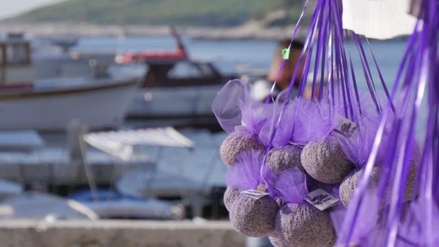 vídeos y material grabado en eventos de stock de lavender stall and port of hvar, hvar, hvar island, dalmatia, croatia, europe - cultura croata