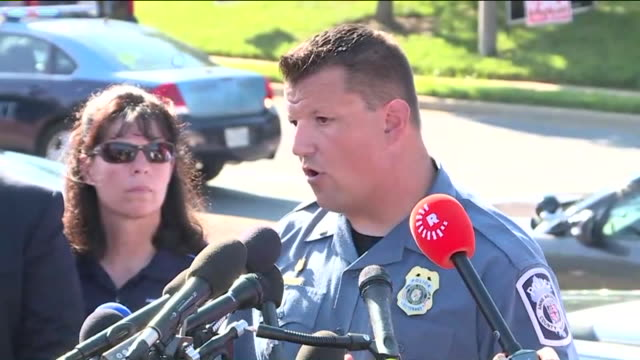 vídeos y material grabado en eventos de stock de wdcw law enforcement officials gave updates to members of the press after a mass shooting occurred on june 28 at the offices of newspaper publisher... - annapolis