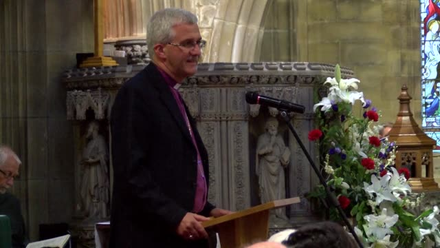 lawmakers and local residents were in shock and devistated at a memorial service for pro eu british lawmaker jo cox who was killed in a shock... - jo cox politikerin stock-videos und b-roll-filmmaterial