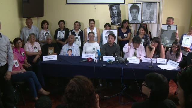 lawyers representing victims of a death squad acting under peru's former leader alberto fujimori's orders announced on wednesday that they will ask... - darstellen stock-videos und b-roll-filmmaterial