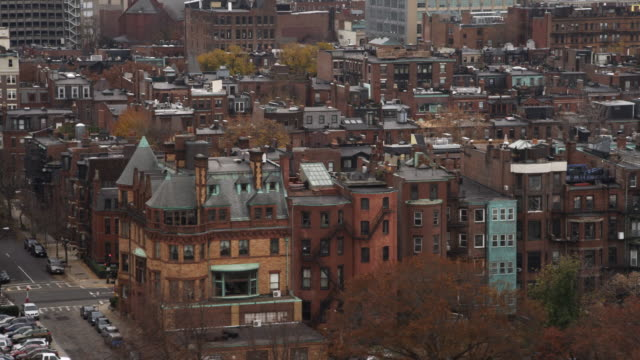 vídeos de stock e filmes b-roll de layered row houses in boston's back bay area. shot in 2011. - back bay boston