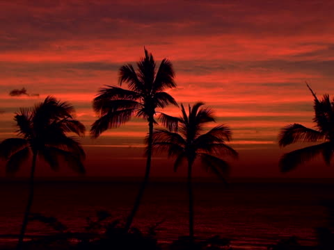 layers of sunset clouds - ロマンチックな空点の映像素材/bロール