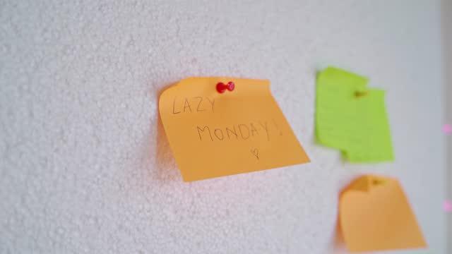 怠惰な月曜日 - ペンテコステ点の映像素材/bロール
