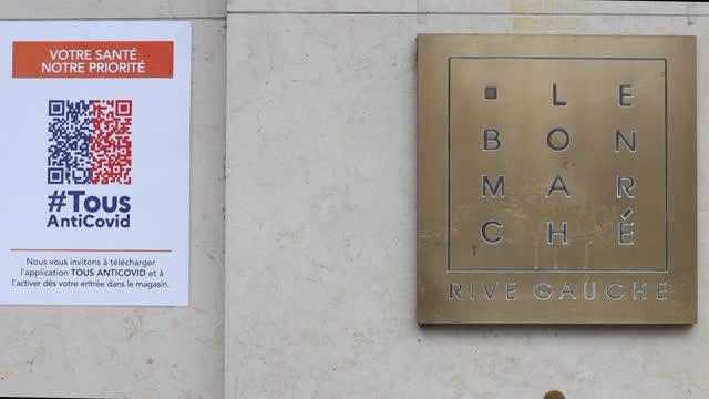 vidéos et rushes de le bon marché department store closed due to the coronavirus crisis - application mobile