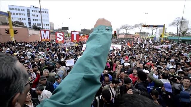 le corbusier oscar niemeyer y tantos otros no fueron tan precursores voiced huelga y marchas masivas en peru on september 26 2013 in lima peru - oscar niemeyer stock videos and b-roll footage