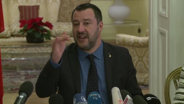 Le ministre de l'Interieur italien Matteo Salvini declare apres sa rencontre avec le chef du parti Droit et Justice au pouvoir en Pologne Jaroslaw...