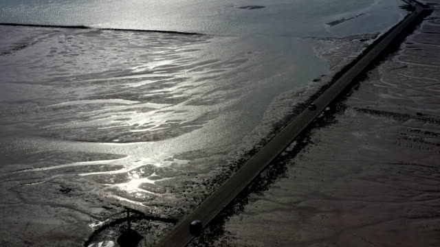 le passage du gois road, ile de noirmoutier island, france - nouvelle aquitaine stock videos & royalty-free footage
