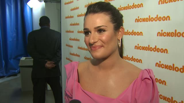 lea michele on presenting an award, on what makes the nickelodeon audience so unique, and on upcoming episodes of 'glee' at the nickelodeon's 23rd... - nickelodeon stock videos & royalty-free footage