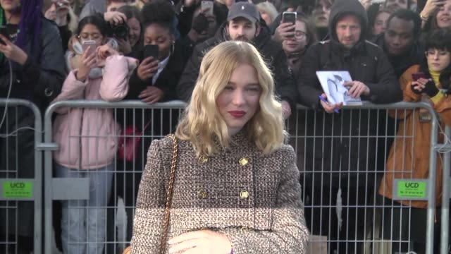 lea seydoux attends the louis vuitton show as part of the paris fashion week womenswear fall/winter 2020/2021 on march 03, 2020 in paris, france. - ブランド ルイヴィトン点の映像素材/bロール