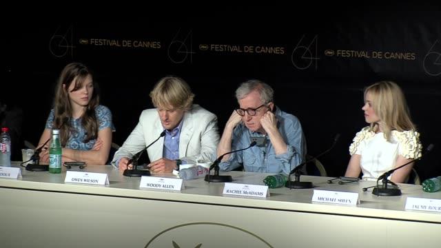lea seydoux, owen wilson, woody allen, rachel mcadams at the midnight in paris press conference - オーウェン・ウィルソン点の映像素材/bロール