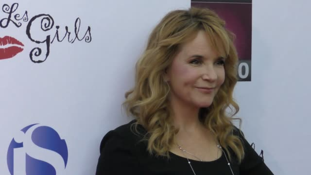 vídeos de stock, filmes e b-roll de lea thompson at the 17th annual 'les girls' on october 15 2017 in hollywood california - lea thompson
