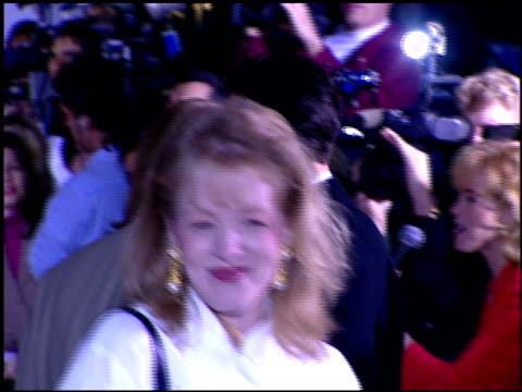 stockvideo's en b-roll-footage met lea thompson at the 1996 screen actors guild sag awards at santa monica civic auditorium in santa monica california on february 25 1996 - screen actors guild awards