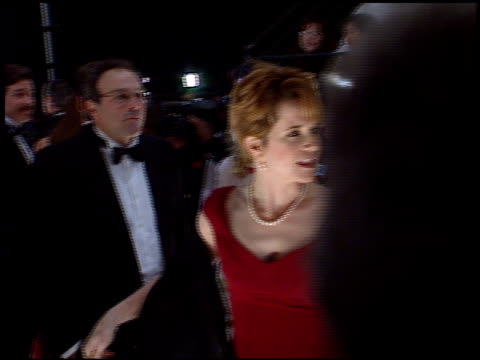 lea thompson at the 1998 people's choice awards arrivals at barker hanger in santa monica, california on january 11, 1998. - people's choice awards stock-videos und b-roll-filmmaterial