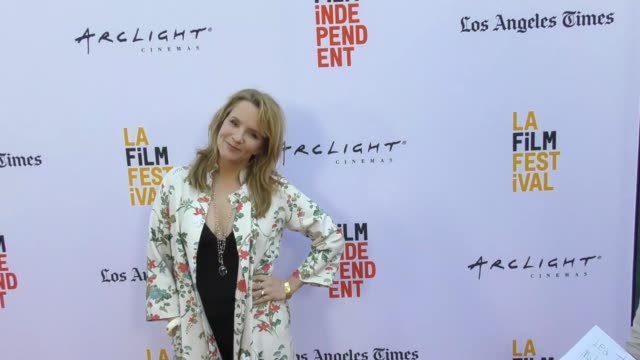 vídeos de stock, filmes e b-roll de lea thompson at the 2017 los angeles film festival opening night premiere of focus features' 'the book of henry' on june 14 2017 in culver city... - lea thompson
