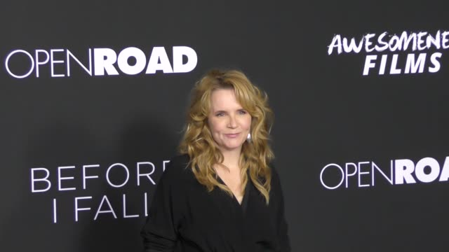 vídeos de stock, filmes e b-roll de lea thompson at the 'before i fall' premiere on march 01 2017 in west hollywood california - lea thompson