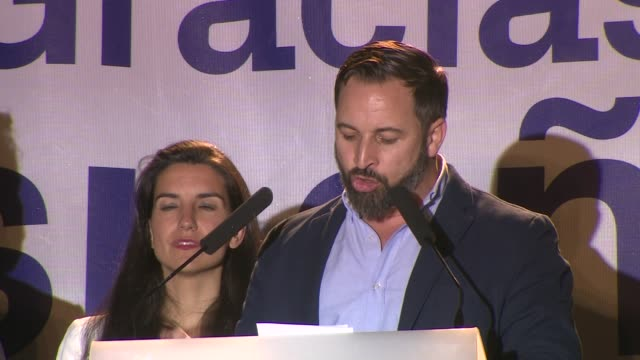 vídeos y material grabado en eventos de stock de leader of far right wing party vox santiago abascal casts his ballot during the spanish general elections at a polling station spaniards went to the... - elección