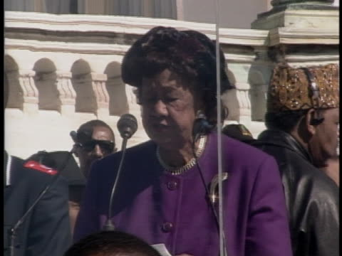 leader of the national council of negro women dorothy height speaks in washington at the million man march in 1995 - 1995 stock-videos und b-roll-filmmaterial