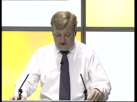 stockvideo's en b-roll-footage met leaders appear on radio phone in newbury charles kennedy mp speech sot his authority is seriously undermined by iraq because we know whatever the... - newbury engeland