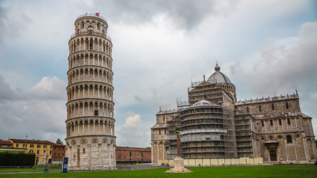 time lapse: leaning tower of pisa and cathedral - pisa cathedral stock videos & royalty-free footage