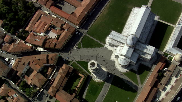 stockvideo's en b-roll-footage met leaning tower of pisa - galileo galilei