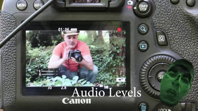 vidéos et rushes de learn how to set up your audio settings in a dslr camera with this super cool tutorial video. enjoy! - autre thème