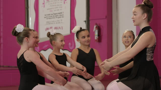 learning from the teacher - leg warmers stock videos & royalty-free footage