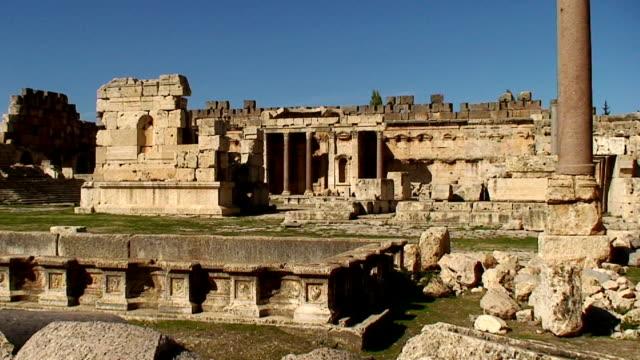 lebanon, bekaa valley, baalbek, archaeological roman site, great courtyard - rubble stock videos & royalty-free footage
